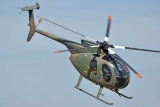 Hughes 500 demostrando su alta maniobrabilidad. (Foto: Mauricio Chiofalo)