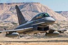 Vuelo a baja altura de un Eurofighter sobre Bardenas (foto: YFC Photography).
