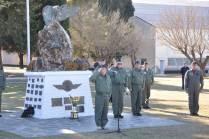 """El Teniente General """"VGM"""" Bari del Valle Sosa saluda a los efectivos formados. (Foto: Mauricio Chiofalo)"""