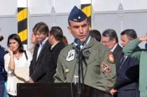El Comodoro Claudio Alejandro Loveira, Jefe del Grupo 4 de Caza al momento de su alocución. (Foto: Esteban Brea)