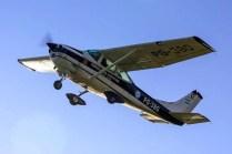 El Cessna 182 de la escuadrilla de servicio de la III BRigada Aérea en el cielo del Oeste Chaqueño (foto: Gabriel Taczuk @ Aero Club Villa Ángela).