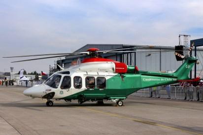 Enaer está trabajando con Leonardo Helicopters (ex AgustaWestland) para la fabricación de conjuntos estructurales y el establecimiento de un centro de servicios regional para aeronaves de este fabricante, tales como este AW-139 de los Carabineros de Chile (foto: Carlos Ay).