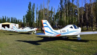 Cinco P2002 Sierra de la Escuela de Aviación Militar estuvieron presentes en Mendoza Vuela 2017 (foto: Gustavo Lepez/TODA la Aviación).