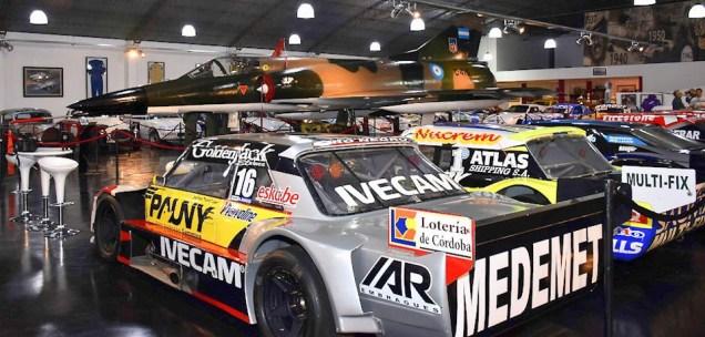 """Restaurado a su condición de posguerra, el C-416 se expone desde octubre en el Autódromo """"Roberto Mouras"""" de La Plata (foto: Fuerza Aérea Argentina)."""