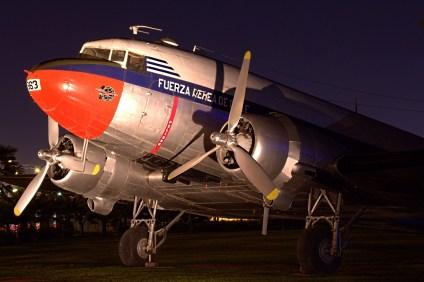 Douglas C-47 963 del Grupo de Aviación No.10 de la FACH (foto: Carlos Ay).