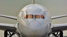 Reflejos sobre el DREAM)LINER. Boeing 787-8 LATAM-Chile - CC-BBD (foto: Alexander Secul).