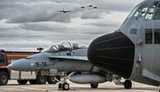 Los principales actores del desfile aéreo y la muestra estática terrestre condensados en una sola imagen (foto: José Luis Lezg)