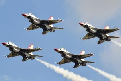 Clásica aproximación frontal a los cuatro integrantes del núcleo Thunderbird (foto: Javier Vera Martínez).