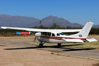"""Stationair 6"": Los Andes Air Club Cessna U206G CC-KAJ (photo: Carlos Ay)."