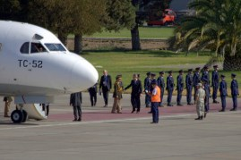 FACH puts up a honour guard for the departing Argentine defence minister, Agustín Rossi (photo: Fernando Puppio).