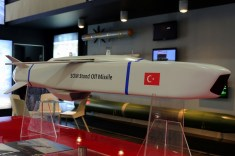 SOM Stand Off Missile scale model in the Roketsan booth (photo: Carlos Ay).