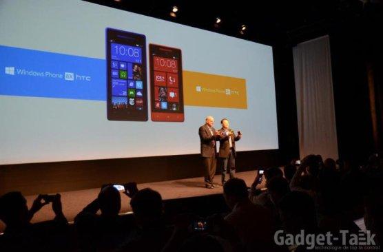 Steve Ballmer si Peter Chou pe scena la New York evenimentul HTC