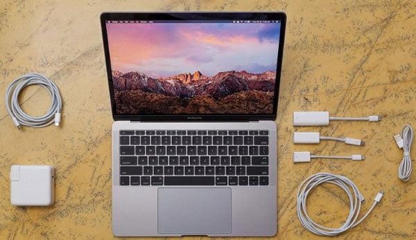 Adaptoarele Apple