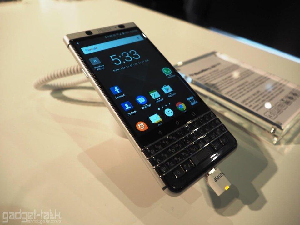 Pretul telefonului Blackberry KEYone