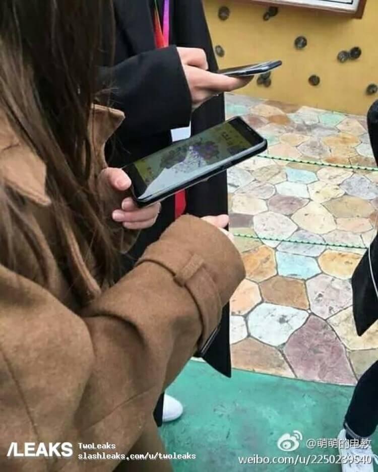 Butoane on-screen pe Galaxy S8 si Retina scaner