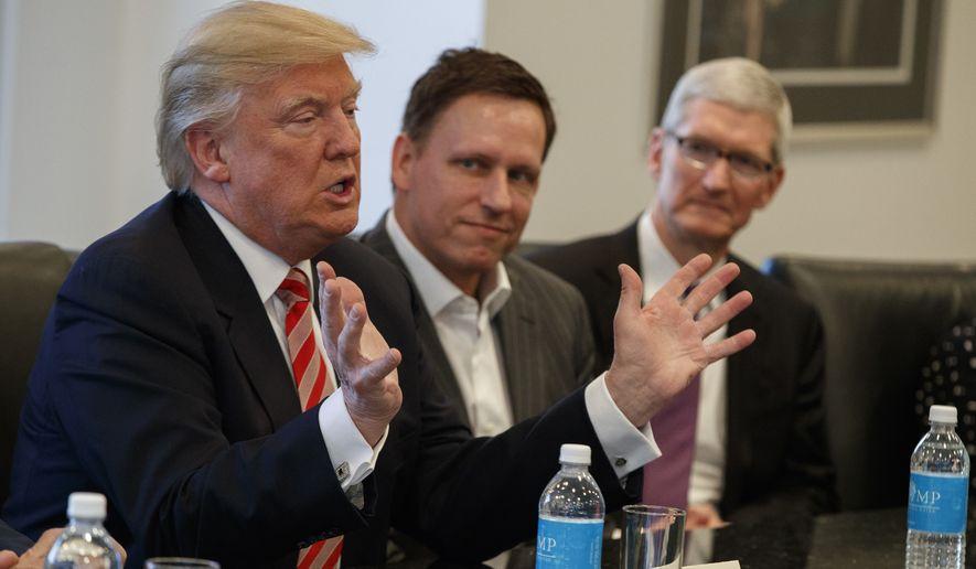 Donald Trump blocheaza vanzarea companiei