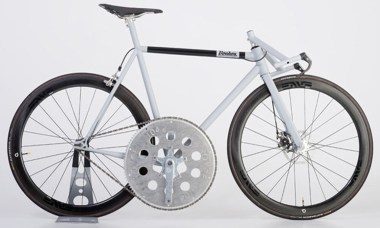 This custom-made Donhou bicycle can travel up to 80mph.