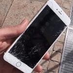 iPhoneのガラスみんな割れてるけど流行ってるの?