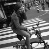 今すぐやめて! 「自転車乗りながらスマホ」違反者には罰則も