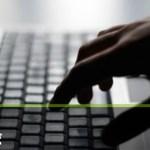 若者の3割が「自分はネット依存だと思う」…総務省調べ