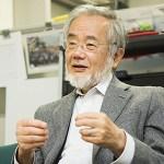 ノーベル医学生理学賞を受賞した大隅良典氏、ガラケーユーザーだった(´・ω・`)