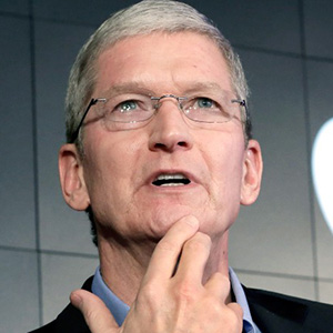 150908192226-tim-cook-apple-logo-thinking-780x439
