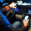 【朗報】運転中のスマホ操作は飲酒運転並みの罰則になるかも