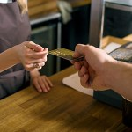 会計の時クレジットカード出すのかっこよすぎるよな