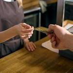 【朗報】クレカ手に入れたワイ、カードを差し出すだけで全てのものが手に入る万能感を味わう