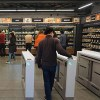 アメリカ・中国「キャッシュレスのお店を作るよ!スマホ経由でお金払ってね!」←これ