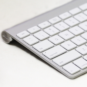 Apple-Bluetooth-Wireless-Keyboard