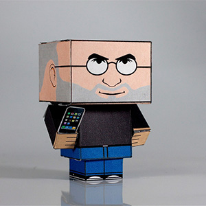 DIY-Cubic-apple-ceo-Steve-Jobs-with-iPhone-Papercraft