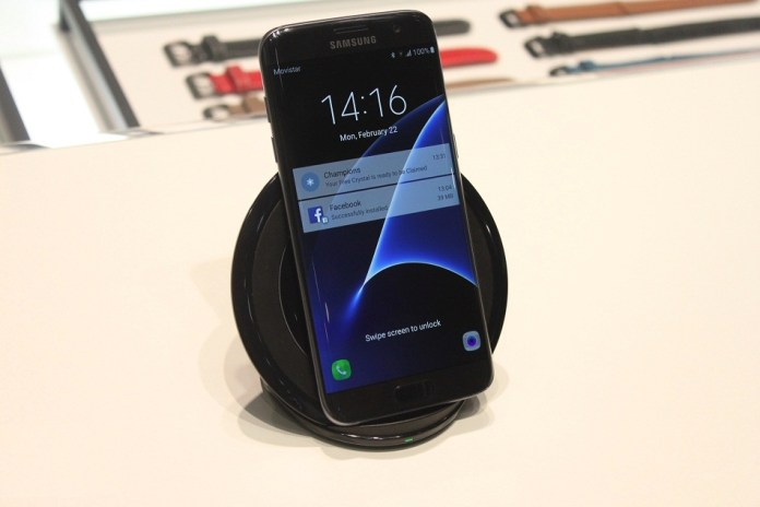 Galaxy-S7-Wireless-Charger