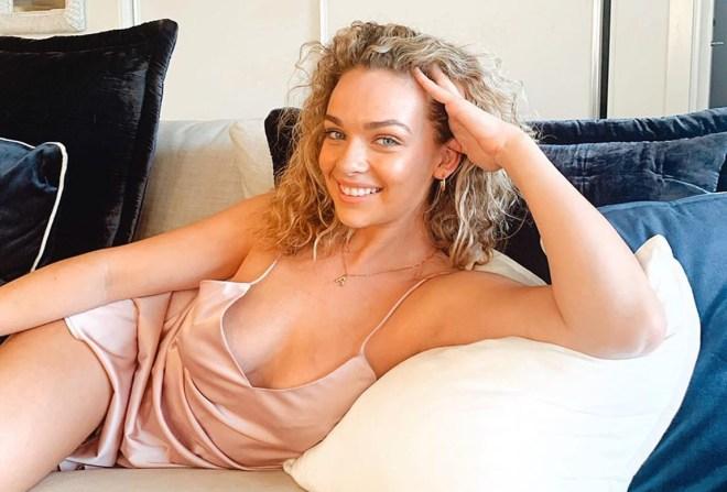 Abbie Chatfield suffers MAJOR wardrobe malfunction with boyfriend Danny Clayton in Bondi