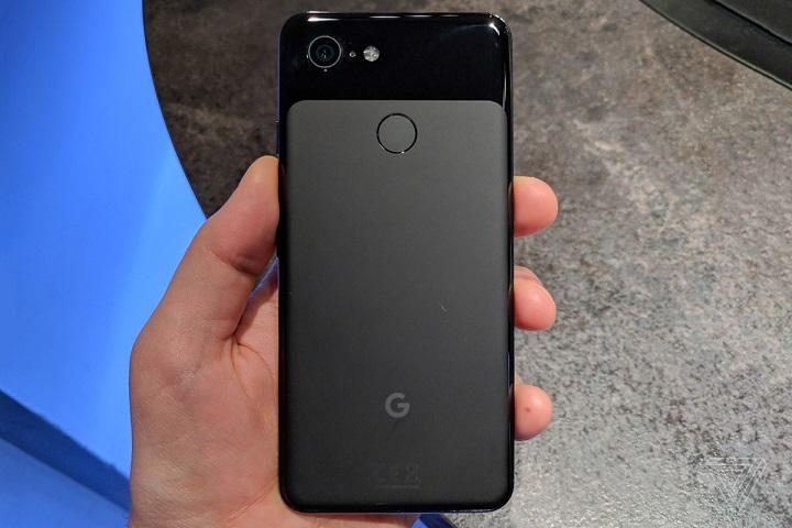 Google Pixel 3 back design and camera