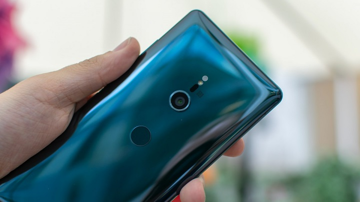 Sony Xperia XZ3 hands on review, back design and cameras preview