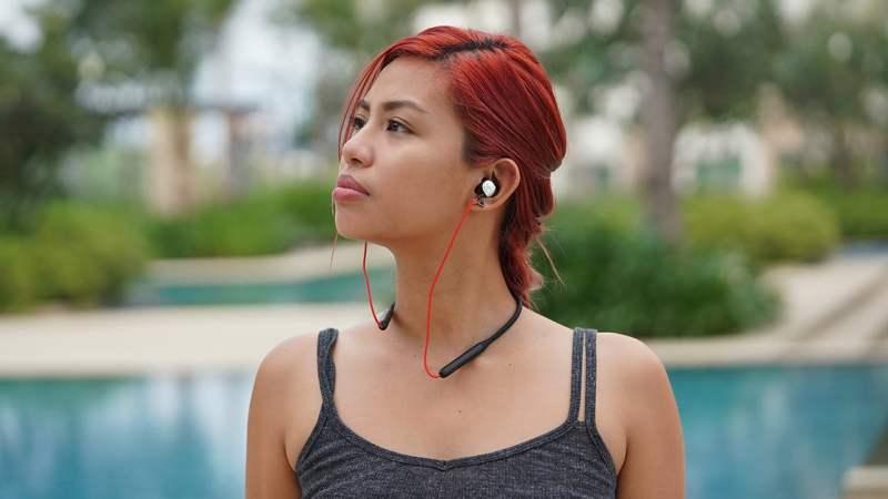 Wearing the Meizu EP52 sports earphones