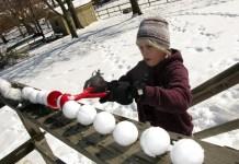 Sno Baller Snowball Maker