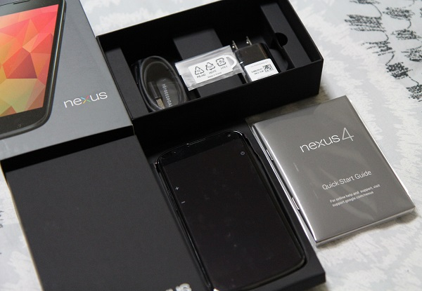 Nexus 4 Unboxing