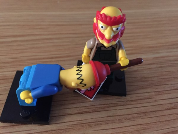 HOMER-WILLIE-LEGO
