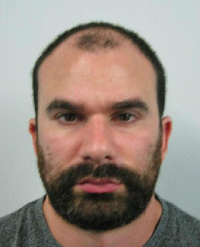 Estuprador pega 22 anos de prisão após abusar de bebê e postar fotos na internet
