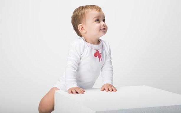 El estampado del body de Rapifecambia de color cuando tu bebé tiene fiebre
