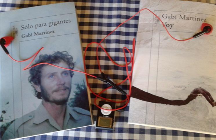 Gabi Martínez es autor de Solo para gigantes  y Voy, entre otros.