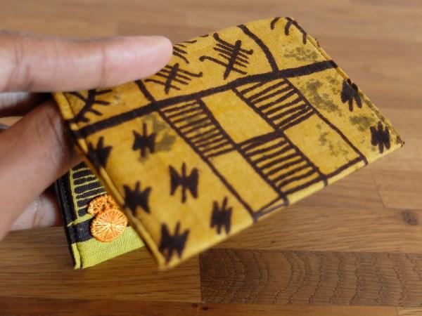 HIBOU-Yellow-Patterns-Card-Holder_c3