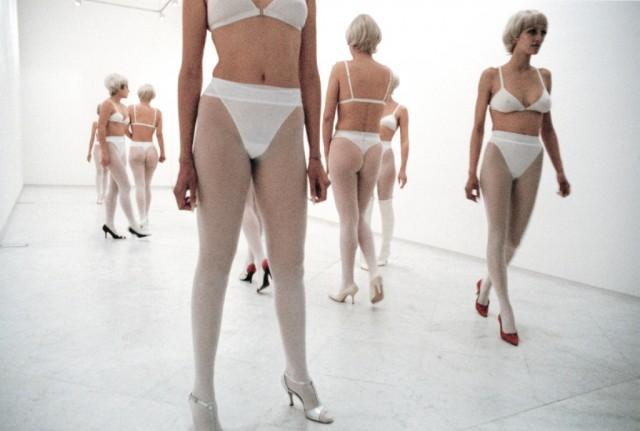 Vanessa Beecroft, VB26 021, 1997 - ©Vanessa Beecroft - Courtesy Galleria Lia Rumma, Milano/Napoli
