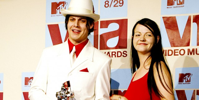 2002-the-white-stripes