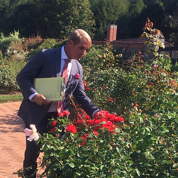 Phillip Watson of QVC #BiltmoreRoseTrials Rose Judge