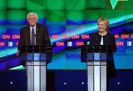 Hillary Clinton 04 Bernie Sanders