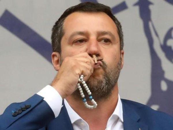 """Salvini: """"Testimonio la fede salvando vite"""""""