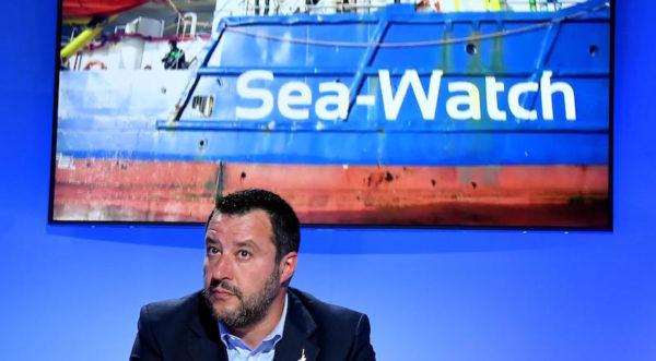 Parlano della Sea Watch e fanno un nuovo salva-banche